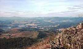 São Gonçalo do Rio Abaixo - Vista Parcial de São Gonçalo - Serra do Catungui-Foto:Mauricio_veiga