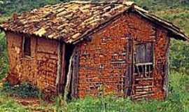 São Gonçalo do Sapucaí - Casa de barro
