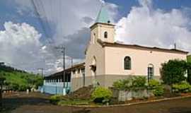 São João da Sapucaia - Igreja e Escola Municipal-Foto:Luís Carneiro