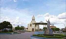 São João das Missões - São João das Missões-MG-Praça São João e Igreja-Foto:novoreporter.com.br