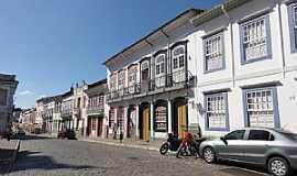 São João Del Rei - São João Del Rei-MG-Rua Getúlio Vargas no Centro Histórico-Foto:Paulo Yuji Takarada