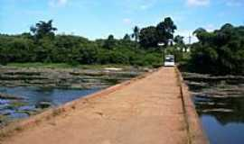 Banco da Vitória - Ponte sobre o Rio Cachoeira em Banco da Vitória-BA-Foto:Guabiru