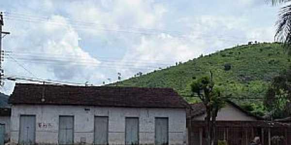 São José da Safira-MG-O antigo e o moderno-Foto:www.asminasgerais.com.br