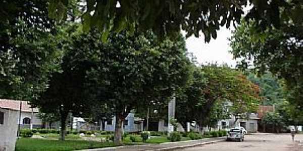 São José da Safira-MG-Praça-Foto:www.asminasgerais.com.br