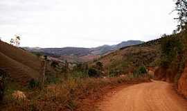 São José do Batatal - São José do Batatal-MG-Estrada de terra na região-Foto:edo