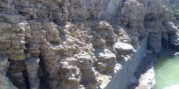 represa vazia, Por maria helena custodio de oliveira