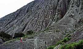São José do Divino - Escalandoa Pedra Riscada-Foto:Luciano Correa Tijo…