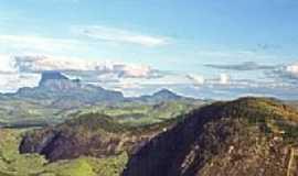São José do Divino - Vista da Pedra Riscada-Foto:Luciano Correa Tijo…