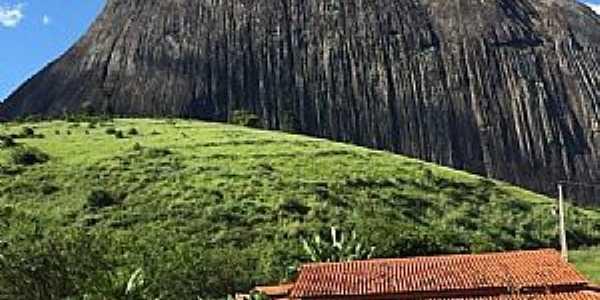 Pedra Riscada São José do Divino-MG Localização: Vale do Rio Doce