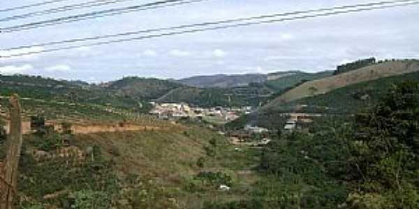 Chegando ao distrito de São José do Itueto - por Gustavo Sturzenecker Moreira