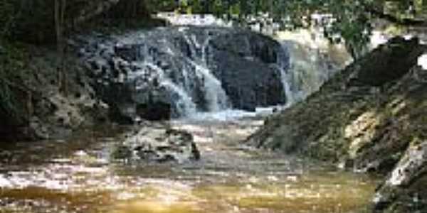 Cachoeira Córrego da Barra em São José dos Lopes-Foto:Marcio Lucinda