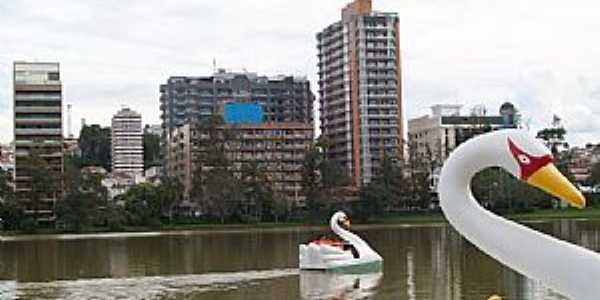 São Lourenço-MG-Lago do Parque das Águas-Foto:Josue Marinho