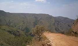 São Roque de Minas - São Roque de Minas-MG-Estrada da Serra da Canastra-Foto:Giuliano Novais