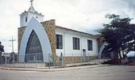 São Sebastião da Vitória - Igreja-Foto:montanha