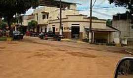 São Sebastião do Bugre - São Sebastião do Bugre-MG-Praça e Rua centrais-Foto:travelingluck.com