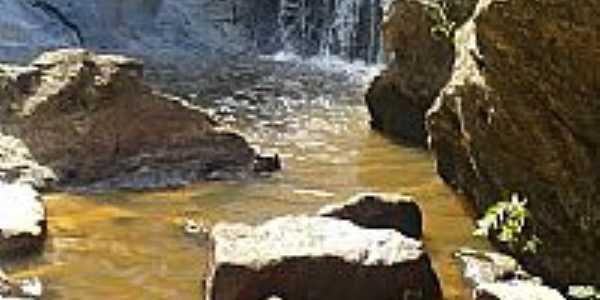 Cachoeira em São Sebastião do Gil-MG-Foto:Alex vaz