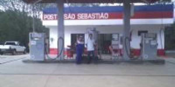 Posto de Gasolina em construçaõ, Por Adriana