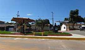 São Vítor - Praça Central de São Vítor-MG-Foto:RUBINHO BARROSO