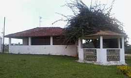 Sarandira - Sarandira-MG-Salão e Coreto da Igreja de N.Sra.do Livramento-Foto:Raymundo P Netto
