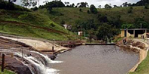 Sarandira-MG-Cachoeira de Sarandira-Foto:Marcia Valle