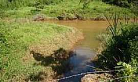 Saudade - Saudade-MG-Córrego desembocando no Rio do Cágado-Foto:Josiasfm