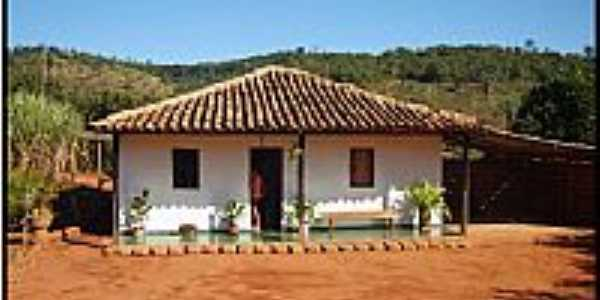 Casa em área rural na Comunidade do Béia em Senador Modestino Gonçalves-MG-Foto:Edson Ramos Rodrigues