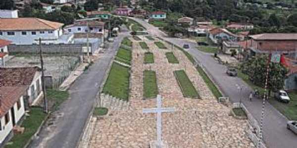 Praça São Sebastiao, Por André