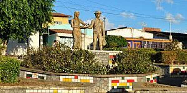 Barra do Choça-BA-Praça do Café-Foto:www.blogdotarugao.com.br