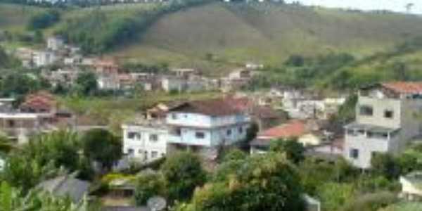 Vista parcial da cidade tendo ao fundo o Bairro da Horta e o Ginásio, Por Adalberto Agostinho da Silva