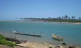Barra do Jacuípe - Barra do Jacuipe-BA-Barcos de pesca na orla do Rio Jacuípe-Foto:guiadolitoral.uol.com.br