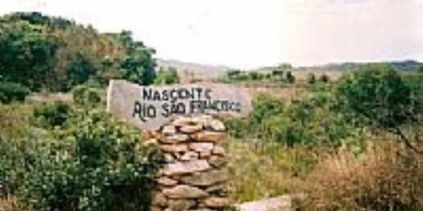 Nascente do Rio São Francisco em Serra da Canastra-MG-Foto:RicardoHossoe