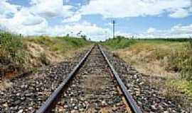 Serra do Salitre - Linha férrea em Serra do Salitre-Foto:Wagner Loebel