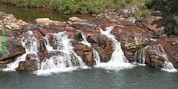 Serra do Salitre-MG-Córrego da Cachoeira-Foto:guardiaodocerrado