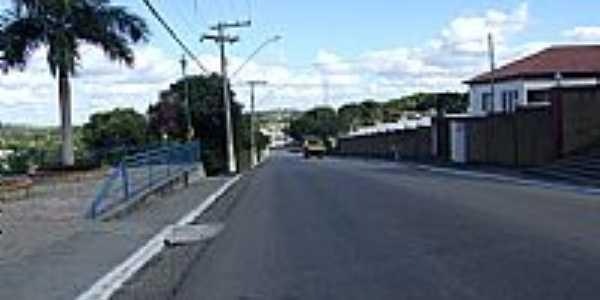 Serra dos Aimor�s-MG-Avenida S�o Francisco-Foto:carlos roberto rocha santana