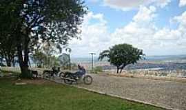 Sete Lagoas - Sete Lagoas-MG-Serra de Santa Helena com vista da cidade-Foto:Jairo Nunes Ferreira