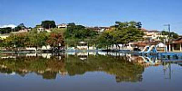 Lago e parcial da cidade de Silvianópolis-MG-Foto:STen Costa Manso
