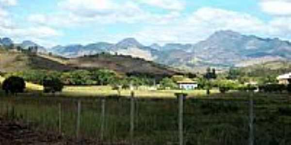 Montanhas e parte da cidade de Sobral Pinto-Foto:Jorge A. Ferreira Jr…