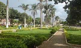 Taiobeiras - Taiobeiras-MG-Praça da Matriz-Foto:Rogertaio