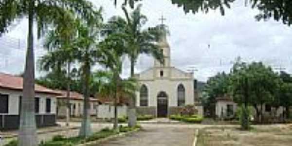 Pra�a e Igreja de Taparuba-Foto:Gustavo Sturzenecker�