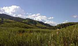 Tapiraí - Vegetação e montanhas na região de Tapiraí-MG-Foto:valdicarvalho
