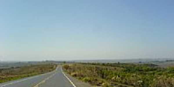 Estrada pra Ibiá em Tapuirama porJander Penco