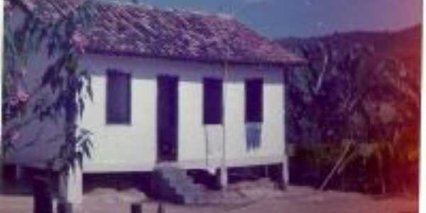 antiga casa na fazenda dr sebastiao  onde morava o chico do celso / cafe mirim, Por Francisco Carlos