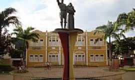 Te�filo Otoni - Monumento aos Imigrantes Alem�es-Foto:Alfa Sonoriza��o