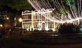 Te�filo Otoni - Pra�a Germ�nica no Natal em Te�filo Otoni-Foto:JOTALU