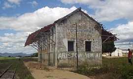 Tocandira - Tocandira-MG-Entiga Estação Ferroviária em junho de 2004,hoje desativada-Foto:Alberto Fernandes de Oliveira