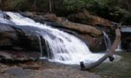 Tombos - Cachoeira do Ambrosio, Por Rodrigo