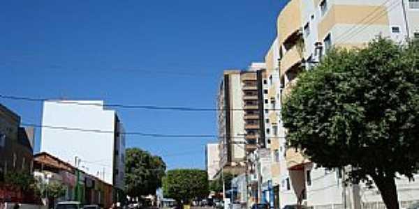 Barreiras-BA-Rua Abílio Farias no centro-Foto:cerrado