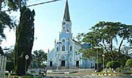 Tr�s Cora��es - Igreja Matriz da Sagra da Familia foto por Altemiro Olinto Cristo