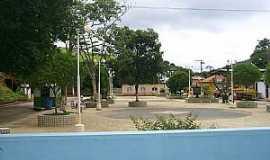 Tuiutinga - Tuiutinga-MG-Praça central-Foto:Sinigali