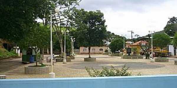 Tuiutinga-MG-Praça central-Foto:Sinigali